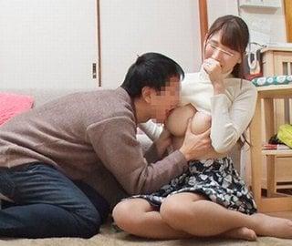巨乳人妻と童貞大学生